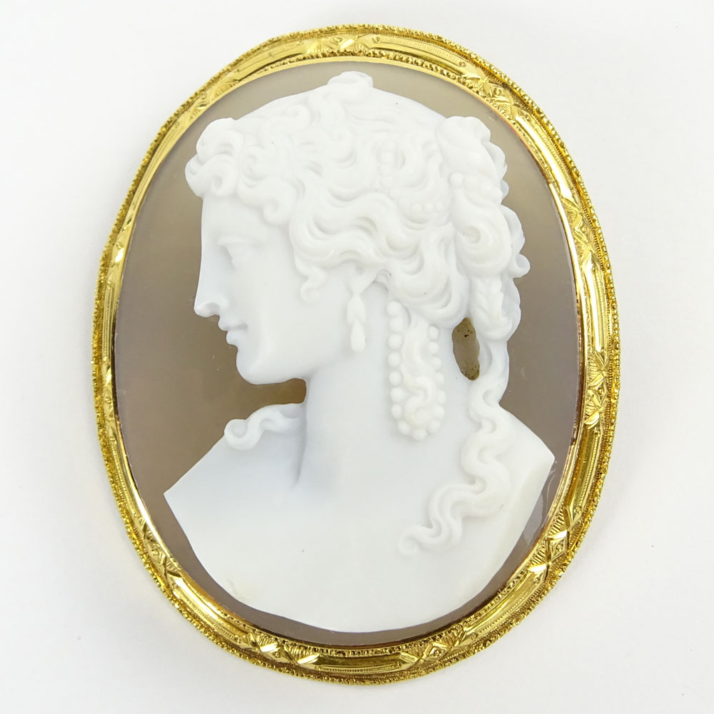 Antique Victorian 18 Karat Yellow Gold and Carved Agate Cameo Brooch.