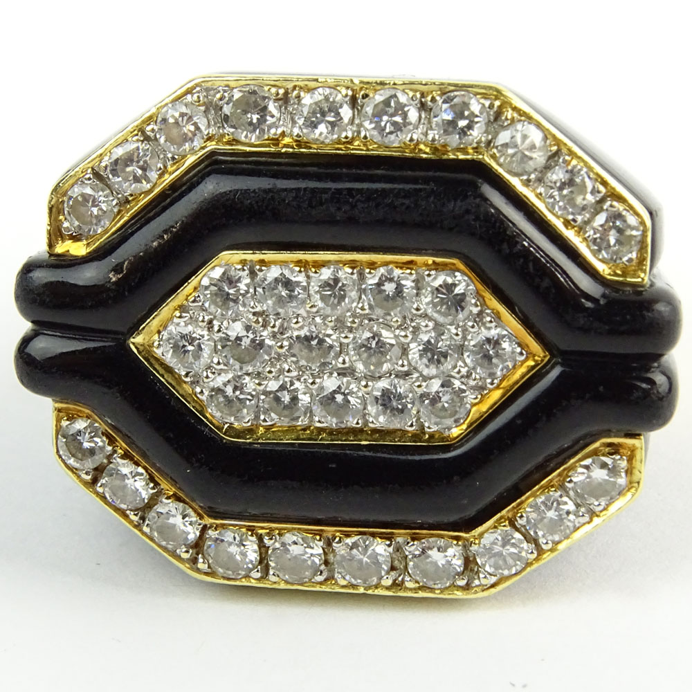 Vintage Art Deco style approx. 1.80 Carat Round Brilliant Cut Diamond, Black Onyx and 18 Karat Yellow Gold Ring.