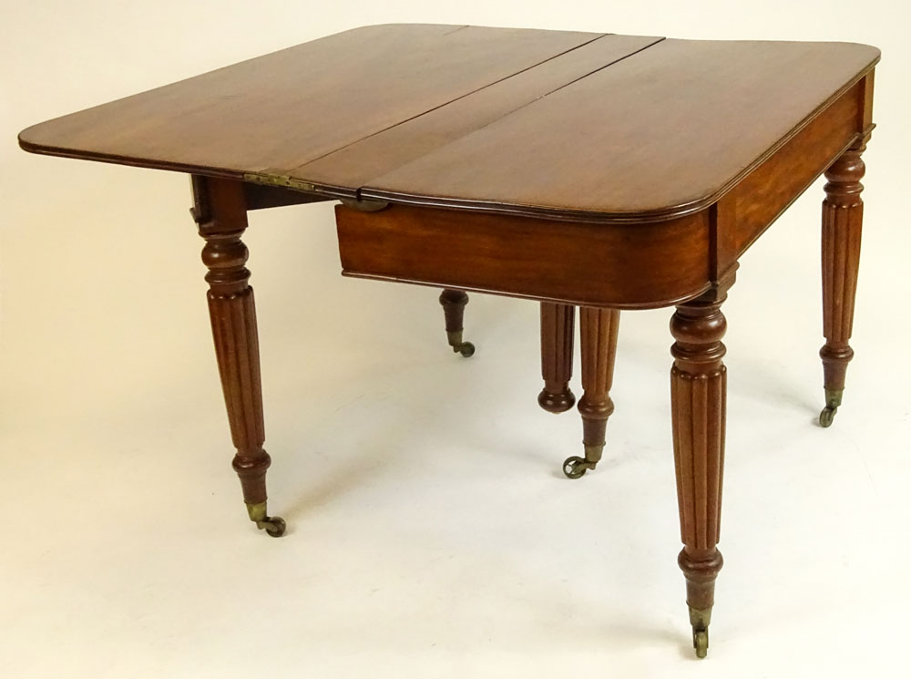 English William IV Mahogany Extending Dining Table.
