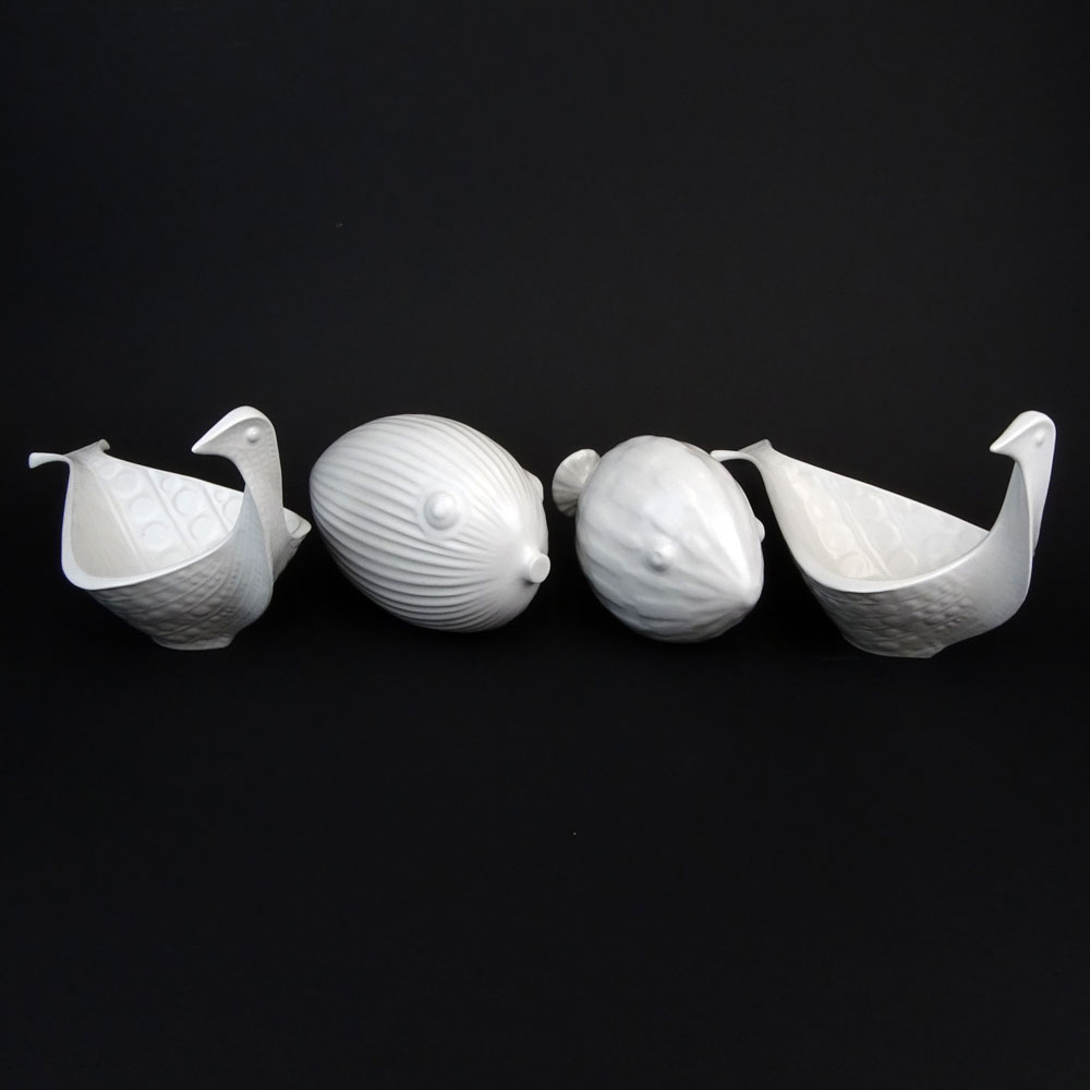 Lot Of Four 4 Jonathan Adler White Pottery Decorative Items