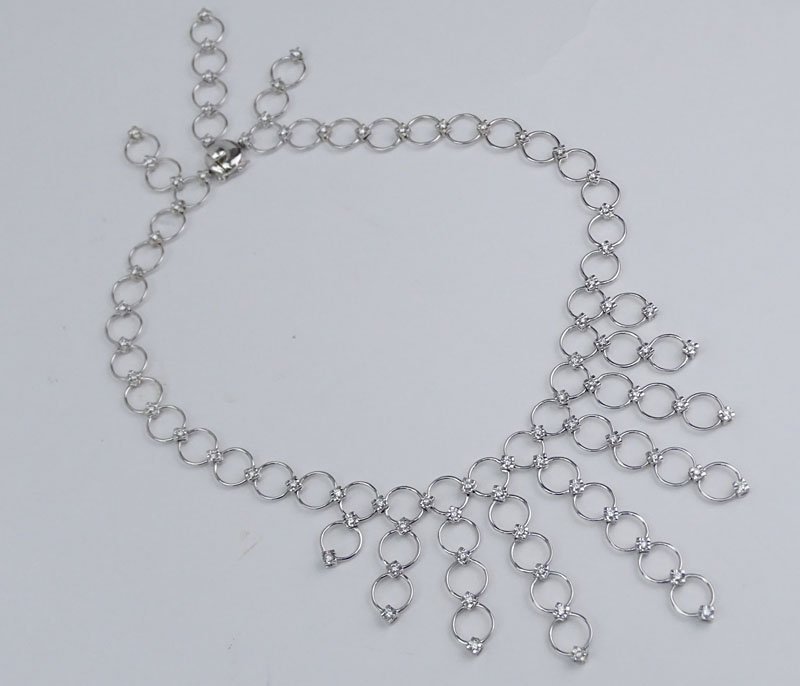 Contemporary Design Approx. 3.25 Carat Round Brilliant Cut Diamond and 18 Karat White Gold Necklace.