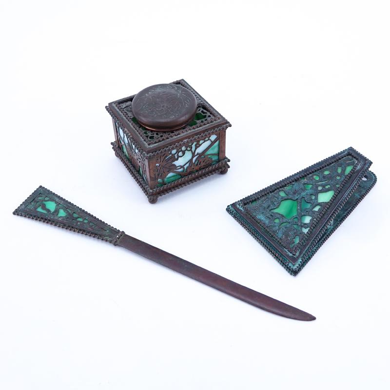 Groovy Three 3 Piece Tiffany Studios Grapevine Desk Accessories Beutiful Home Inspiration Xortanetmahrainfo