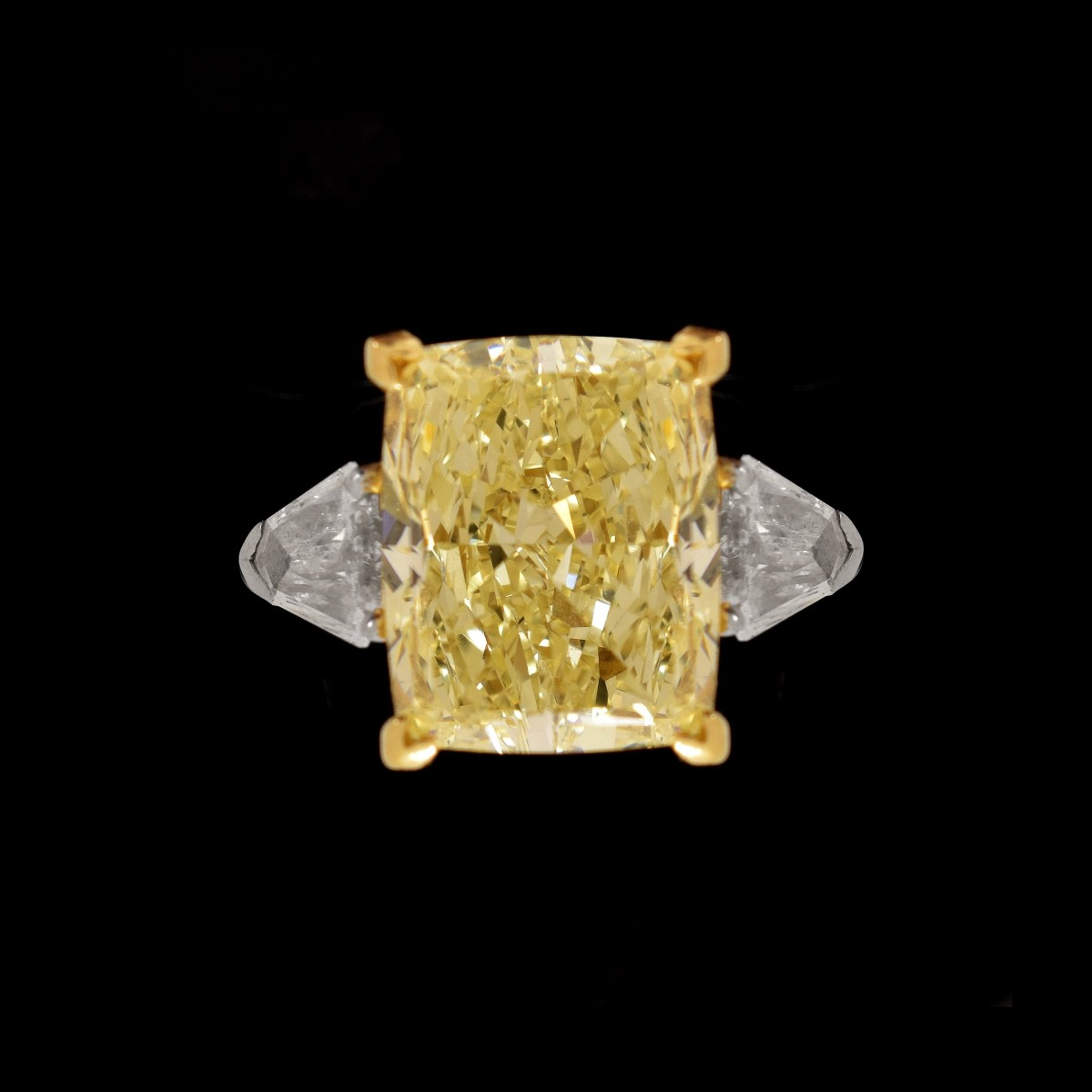 Graff 8.54ct Fancy Yellow Diamond Ring