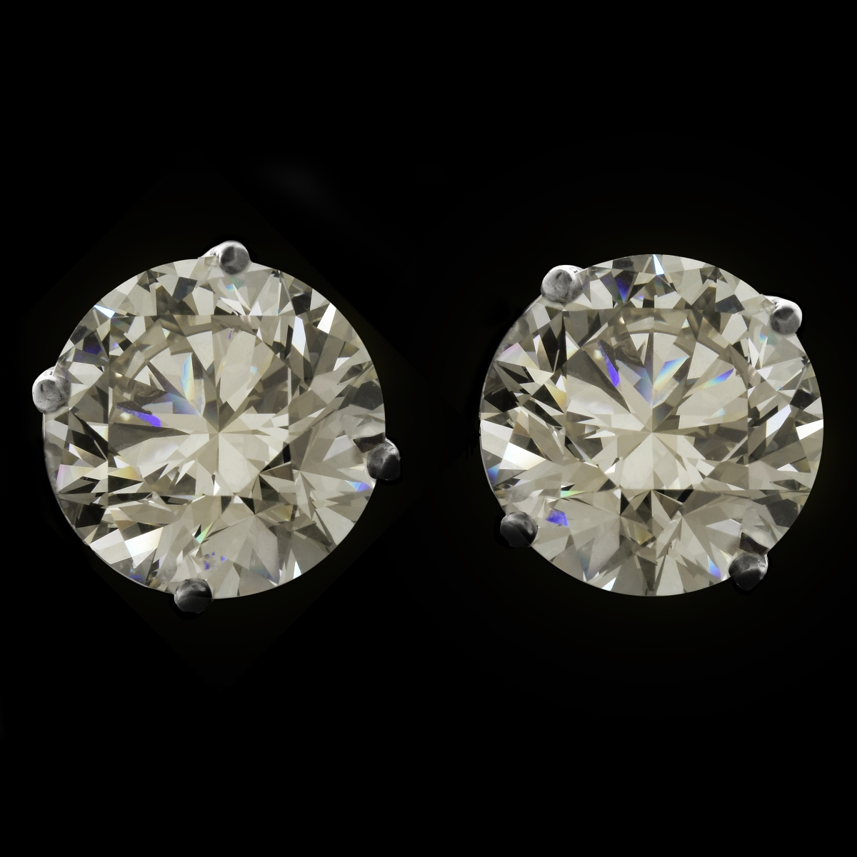 15.37ct Diamond Ear Studs