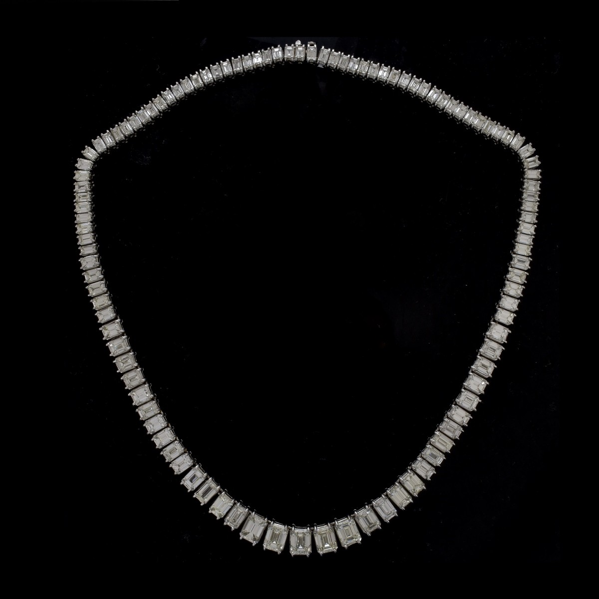 Important Diamond and Platinum Necklace